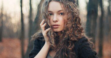 Kıvırcık Saç Nasıl Oluşur?