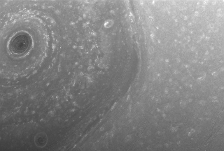 Satürn'ün Güney kutbu.