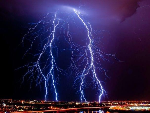 lightning şimşek