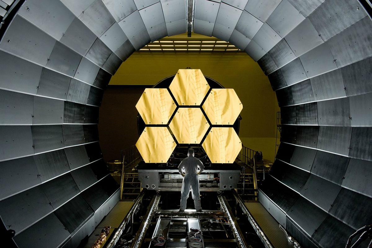 James Webb Teleskobu'nun dev birincil aynası