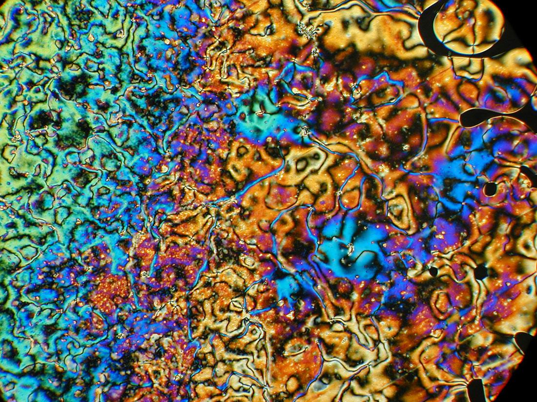 Photo of Sıvı Kristaller: Maddenin 5. Hali Mi?