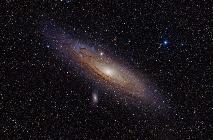 Bize yakınlaşmakta olan Andromeda Gökadası (M31).