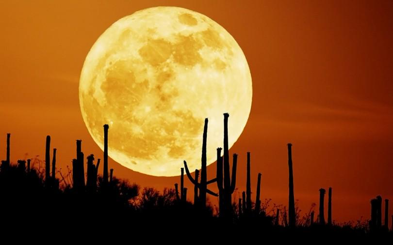 Photo of Ay İllüzyonu: Ay Ufukta Neden Daha Büyük Görünür?