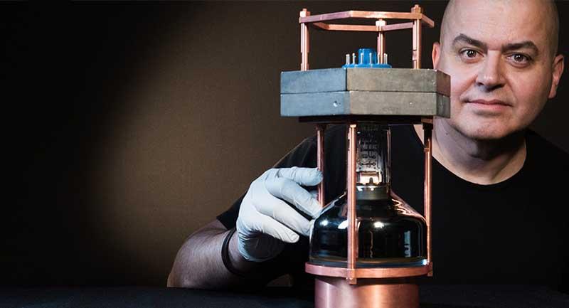 Photo of Bilim İnsanları İlk Defa Nötrinoları Atom Çekirdeğinden Saçılırken Görüntüledi!